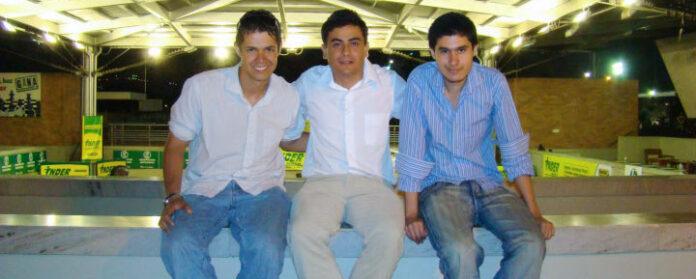En compañía de Diego Londoño y Miguel Roldán (de izquierda a derecha).