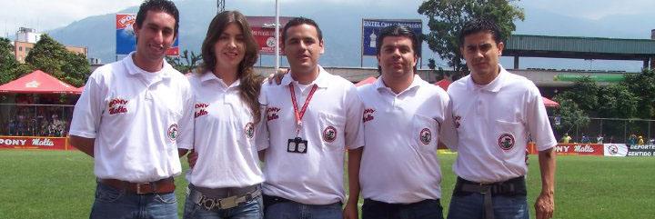 En compañía de Jarvi Augusto Escobar, Sara Valderrama, Davis Zapata y Jorge Lopera (de izquierda a derecha).